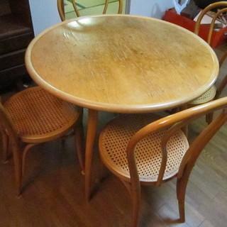 年代物 木製ダイニング丸テーブル、籐張椅子セット