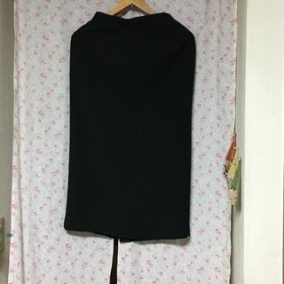 ワールド 黒のスカート