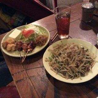 名古屋名物「手羽先唐揚げ」のお店で接客、調理補助、調理、盛り上げ等 - アルバイト