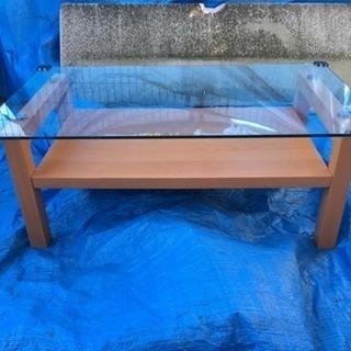 木目調ガラステーブル