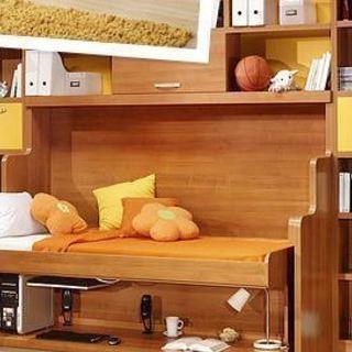 新発想!デスクとベッドを壁に収納するライフスタイル - 地元のお店