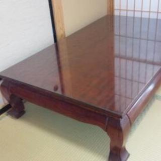 漆塗りの座卓
