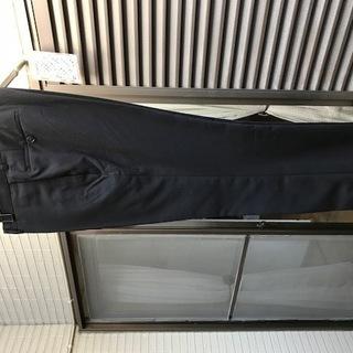 黒パンツ ブランド無し