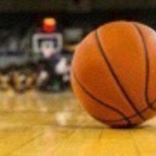 毎週金曜日に楽しくバスケしませんか?(^ ^)