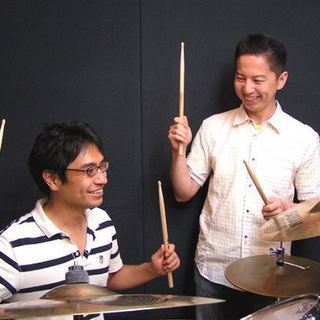 《ドラムレッスン♪》超有名テーマパーク出身講師が、ドラムをお教えします☆