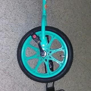 古い一輪車さしあげます。