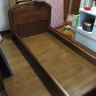 シングルベッド マットレス付き 木製 ベッドパッドのおまけあり