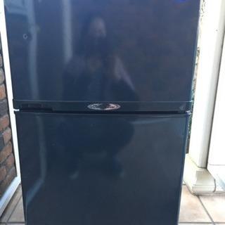 2ドア冷蔵庫90L