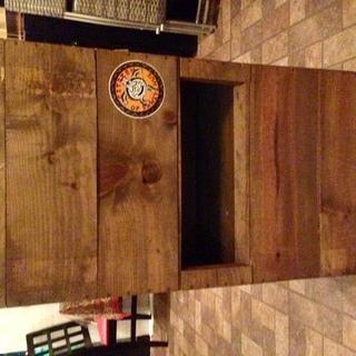 自家製ワイン木箱ハイテーブル