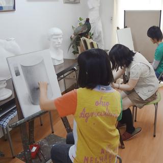 絵画の基礎から構成表現まで体系的に学べる、美術教室アトリエ・ルボー