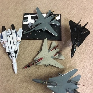 飛行機のプラモデル  5体セット
