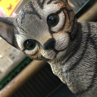 ネコの置物 Demain HK osamu サバトラ 陶器? か...