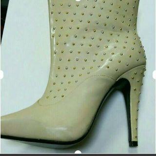 スタッズ オフホワイトショートブーツ - 靴/バッグ