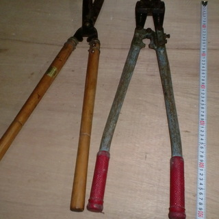 倉庫整理(大きめのクリッパーと剪定鋏
