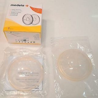 メデラのニップルフォーマーとピジョンの乳頭吸引器