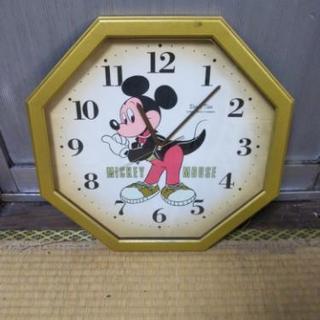 鹿児島市内からです!ミッキーマウスの時計になります!