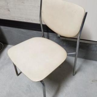【椅子】☆オフホワイト☆ビニール張り☆中古