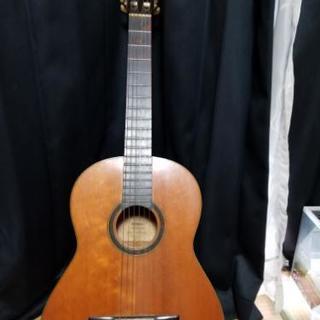 古いYAMAHAのギター