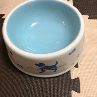 中古品☆大型犬チャンの水入れの画像