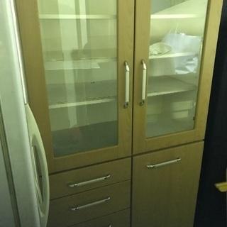 オシャレな食器棚