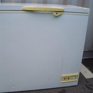 ☆高く買取るゾウ 八幡西店☆【直接引取限定】グラソン 冷凍庫 192L