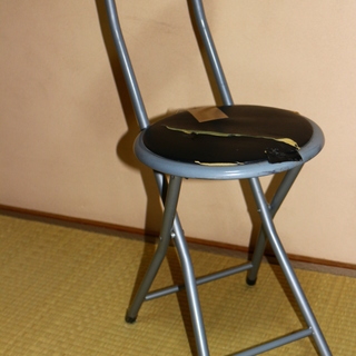 値下げ!!訳あり家具 折りたたみ椅子 破れあります!! 手渡し大...