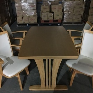 椅子とテーブル 組み家具