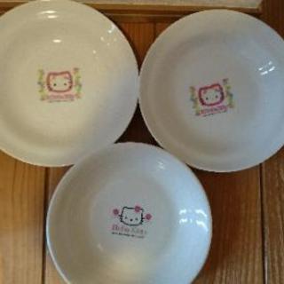 【無料】キティちゃん❤お皿3枚