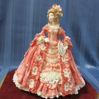 簡単にヨーロッパ陶器の人形(レースドール)、花、動物制作