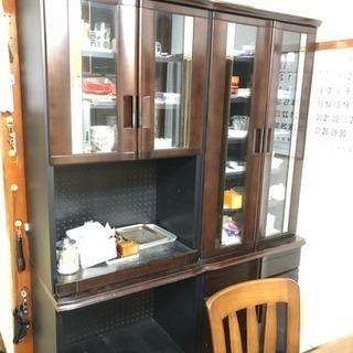 食器棚 幅67 デザイン違い二つ