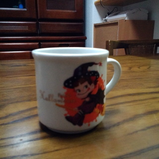 ペコちゃんの小さめマグカップ