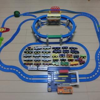 「懸垂式モノレール」と「日本全国アナウンスステーション」セット