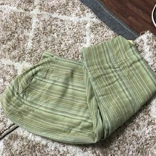 スリングと足まですっぽり温かいベビー服