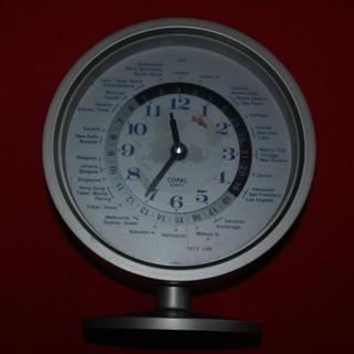 再再値下げ品 GMTのワールド時計(日本製クオーッ)