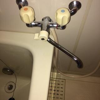 浴室、浴槽のクリーニング・清掃 ハウスクリーニング 知多半島の便利屋・おそうじ屋 ハートフル【常滑市、知多市、半田市、武豊町、美浜町、南知多町、東海市、阿久比町、東浦町】 - 常滑市