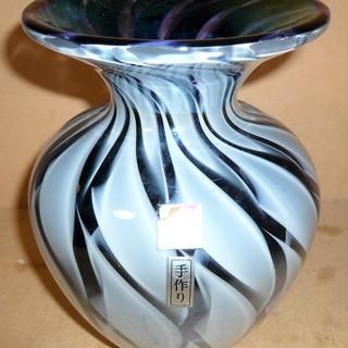 シックなイメージのガラス花瓶 格調高い花瓶◆部屋のグレードをアッ...