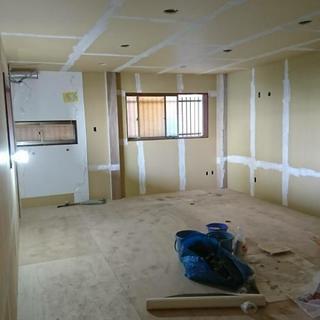 室内装飾(壁紙、床)職人になりませんか?