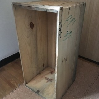 りんご箱  200円