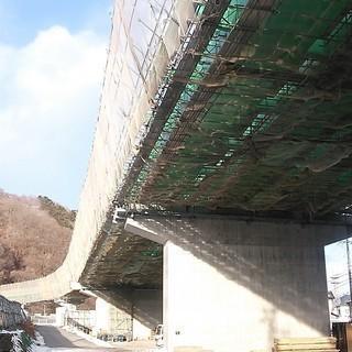 【橋梁特殊技術】排水管の工場加工・現場取り付け工事