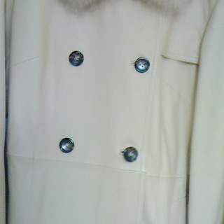 ラム革 フォックス襟付き コート【ベージュ】
