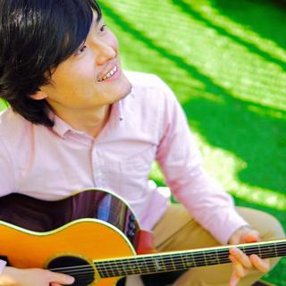 初心者歓迎♪プロミュージシャンによるウクレレ/ギター/ベース教室です♪