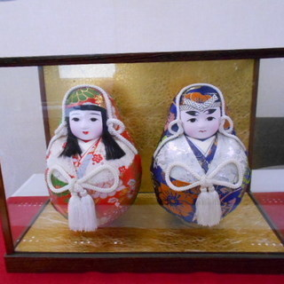 日本人形 だるま型 ガラスケース入り