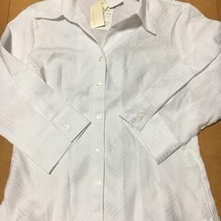 白ストライプ七分Yシャツ