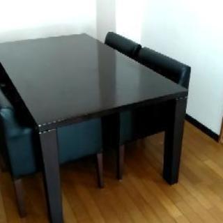大きめダイニングテーブルと椅子4脚