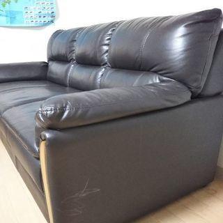 ニトリのソファ(三人掛け) - 家具