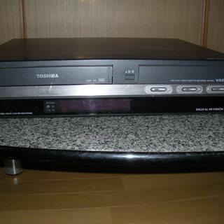 東芝 DVD&HDD&VHSレコーダー【ジャンク品】<取引完了>