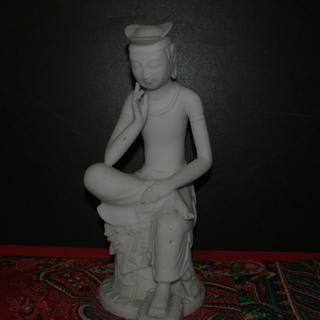 再々再値下げ品 弥勒菩薩と思われる仏像