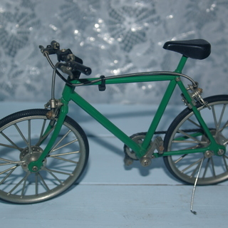 再値下げ品 本物そっくりな自転車置物