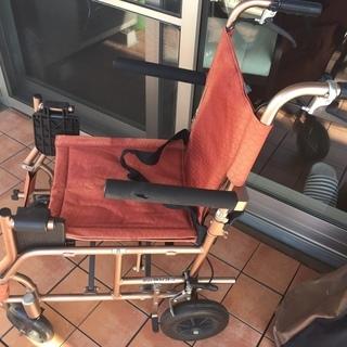 折りたたみ車椅子