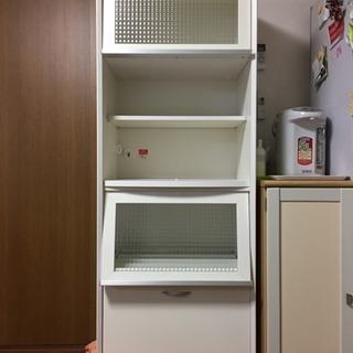 北欧風食器棚